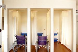 車椅子専用更衣室